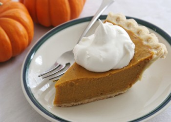Pumpkin_pie_slice_H