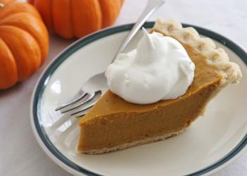 Pumpkin_pie_slice_H